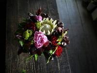 母の日のアレンジメント。「個性的に」。2019/05/12。 - 札幌 花屋 meLL flowers