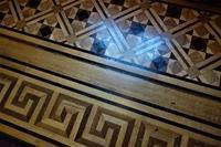 文翔館(旧山形県庁舎)の床 - SOLiD「無垢材セレクトカタログ」/ 材木店・製材所 新発田屋(シバタヤ)