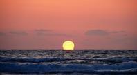海に沈む夕日を見ながら考える - Paesaggio visto dal mirino della fotocamera