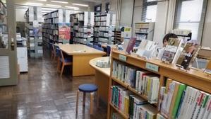 県議会図書館は魅力的です! -
