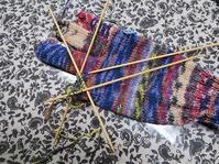 楽しい編み物の時間になっています - あれこれ手仕事日記 new!