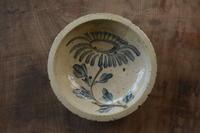 瀬戸菊紋石皿 - うつくしいものさがします