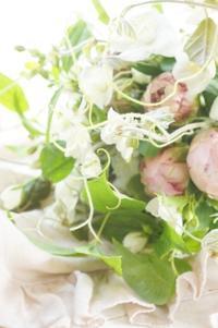 ブーケ専科上級初レッスンはブーケ三種の復習 - お花に囲まれて