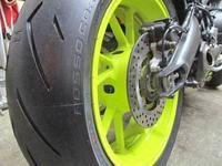 Nとも号 MT-09のタイヤ交換でロッソコルサⅡに♪(^O^)/ - バイクパーツ買取・販売&バイクバッテリーのフロントロウ!