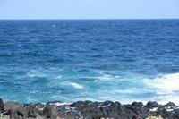 ソーダ色の海 - 三宅島風景