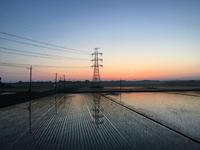 4時15分夜明け前のマジックアワー - 陶芸ブログ 限 無 窯    氷裂貫入青瓷の世界