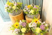 送別の花と卓上花AKBアレンジ - 北赤羽花屋ソレイユの日々の花