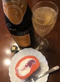 堂島ロール☆ミックスベリーロール & champagne Arlaux - よく飲むオバチャン☆本日のメニュー