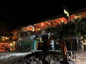 2019 オトナの修学旅行inセブ~お気に入り!オーガニックレストラン「THE BUZZ CAFE」でディナー - LIFE IS DELICIOUS!