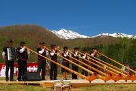 乗鞍の開山祭「すもも祭り」が開催されました~! - 乗鞍高原カフェ&バー スプリングバンクの日記②