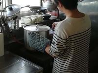 スープ作り? - 小林雄一 西山奈津 陶芸日記