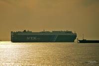 アザマラ・クエストの入港と東京湾の景色No1 - N.Eの玉手箱