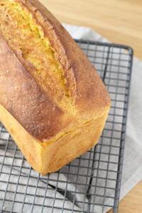 自家製レーズン酵母でかぼちゃ食パン - launa パンとお菓子と日々のこと