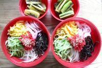 冷やし中華弁当と三社祭の雷門 - オヤコベントウ