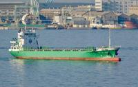 小満!、ポーアイへ寄港する内航多目的貨物船 - みなと神戸 のんびり風物詩
