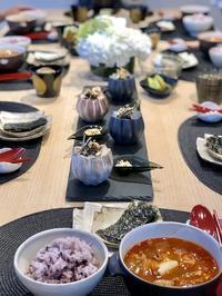 お教室のテーブルとISEPAN! - 今日も食べようキムチっ子クラブ (料理研究家 結城奈佳の韓国料理教室)