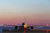 光と影の対比~旭川空港~ - 自由な空と雲と気まぐれと ~from 旭川空港~