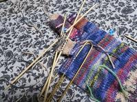 左手袋。中指・人差し指、一気編み~ - あれこれ手仕事日記 new!