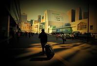 街角スナップ・ 東京新宿 - 旅立ち - 天野主税写遊館
