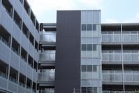 渋谷区某マンションのシンプル格子の外観 - 一場の写真 / 足立区リフォーム館・頑張る会社ブログ