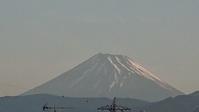 5月26日、我が家の駐車場から見た富士山です - 楽しく元気に暮らします(心満たされる生活)