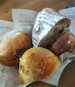 パン解禁の朝ごはん - 藍。の着物であるこう