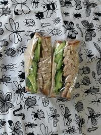 5/26(月) 蒸し鶏ときゅうりのサンドイッチ弁当 - ぬま食堂