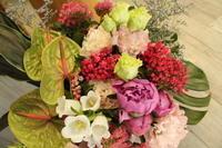 送別の花束持ち運びやすく - 北赤羽花屋ソレイユの日々の花