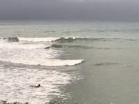 台湾佳楽水 今日の波 腹〜胸サイズ 曇り微サイドオン - 台湾サーフィン 佳楽水は今日もいい波    佳楽水好浪!