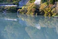 県境の川面を走る - 片眼を閉じて見る世界には・・・。