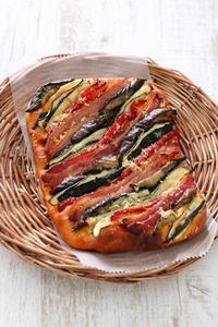 パン教室で「トマトとバジルの夏野菜フォカッチャ」 - Takacoco Kitchen