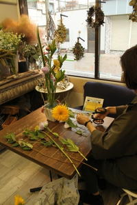 フラワーレッスンバーティカル5.31 - 北赤羽花屋ソレイユの日々の花