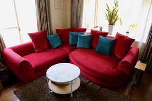 赤いソファを使ったコーディネート - MARGINAL マージナル広島  インテリアショップのブログ