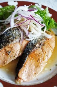 ■おつまみおかず【生鮭のワインバター焼き】簡単に香りソルトと味ぽんで♪ - 「料理と趣味の部屋」