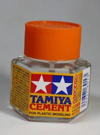 タミヤセメント(六角びん) - ホビーやっぱり増える