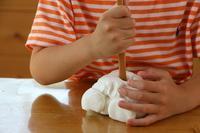 紙粘土で感触あそび - 大阪府池田市 幼児造形教室「はるいろクレヨンのブログ」