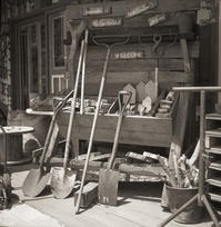 マネキン化した農機具たち - Film&Gasoline