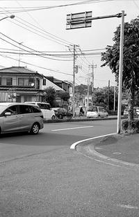 住宅地の道路 新旧 - そぞろ歩きの記憶