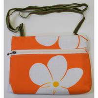 9659回 横型ショルダ-バック・ビッグプルメリア(オレンジ)紐(茶と緑) - 今日の凧人