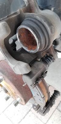 ワゴンRブレーキ修理 - 完太と希ララとちゃちゃ丸の成長日記