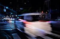 街角スナップ 東京 - 八王子市 雨の夜の交差点 2 - 天野主税写遊館
