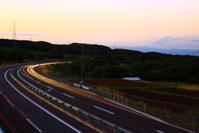 令和元年5月の富士(37)富士見町の高速道路の富士 - 富士への散歩道 ~撮影記~