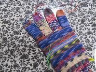 右手袋・人差し指を編みました。 - あれこれ手仕事日記 new!