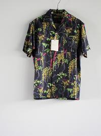 Wang Chomphu Silk SS Shirt / Pokcorpaa Sant - 『Bumpkins putting on airs』