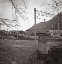 緊張が走るローカル線駅 - Film&Gasoline