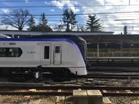 甲府駅の甲州夢小路から見るE353系&E257系 - 子どもと暮らしと鉄道と