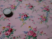 フランスアンティークファブリック、ハグオーワーギフトボックス柄!ピンクの。 - LeCaretteルキャレット アトリエの日々のこと