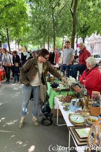 蚤の市でお宝探しのアテンドツアー - パリときどきバブー  from Paris France