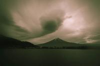 夏の雲 - 故郷の宝物
