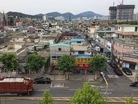 富平市山谷洞のアパートの屋上で - 韓国アート散歩